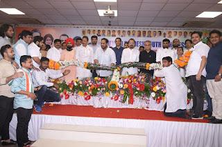 जीशान सिद्दीकी के अध्यक्ष बनने के बाद कांग्रेस की सभी दिग्गज एक मंच पर  | #NayaSaberaNetwork