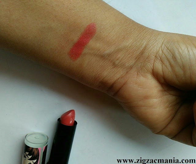 StreetWear Color Rich Ultra Moist Lipstick Berry Dreamy (Shade no: 26) Review & Swatch