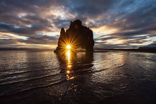 Sunrise - Photo by Huper by Joshua Earle on Unsplash.com