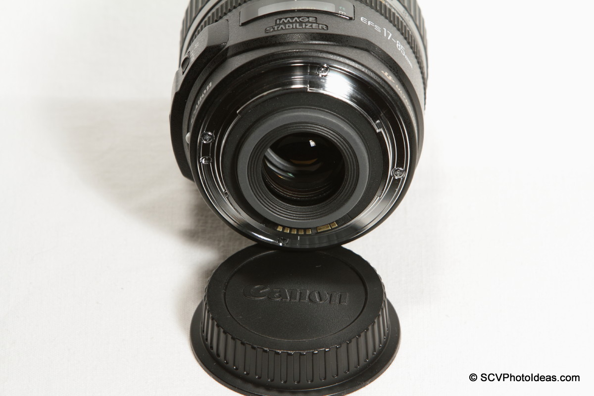 Canon EF-S 17-85mm F/4.0-5.6 IS USM metal EF mount and contacts