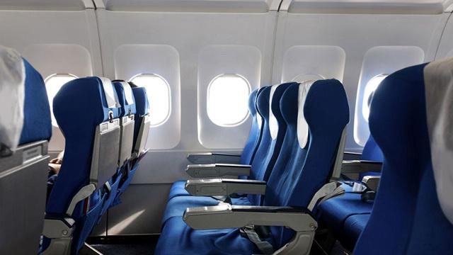 لماذا لا ترتب مقاعد الطائرة مع النوافذ؟