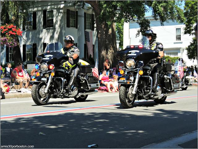 Policía Desfile 4 de Julio en Bristol