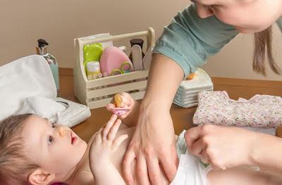 cara mengobati alergi dingin pada bayi, cara merawat bayi alergi dingin