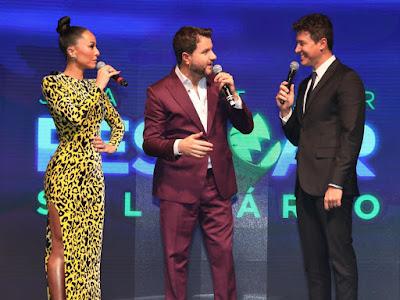 Sabrina Sato, Maurício Manieri e Rodrigo Faro - Crédito: Antonio Chahestian/ Record TV