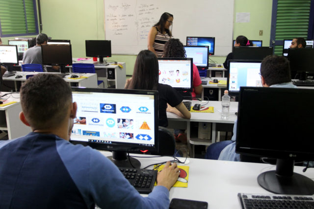 Escola Técnica de Ceilândia distribuirá vagas de graça por ordem de chegada