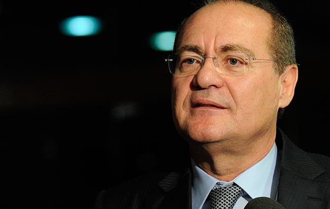 Renan Calheiros mantém andamento do processo de impeachment