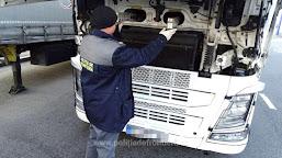 Ţigări ascunse în cabina unui autocamion, descoperite de poliţiştii de frontieră în P.T.F. Calafat