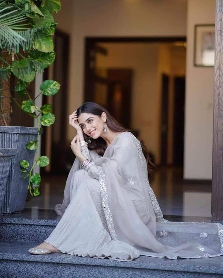 Maya Ali Gorgeous Looks from Eid Day