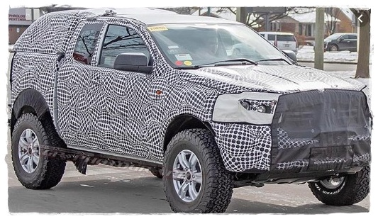2022 toyota highlander spy shots engine
