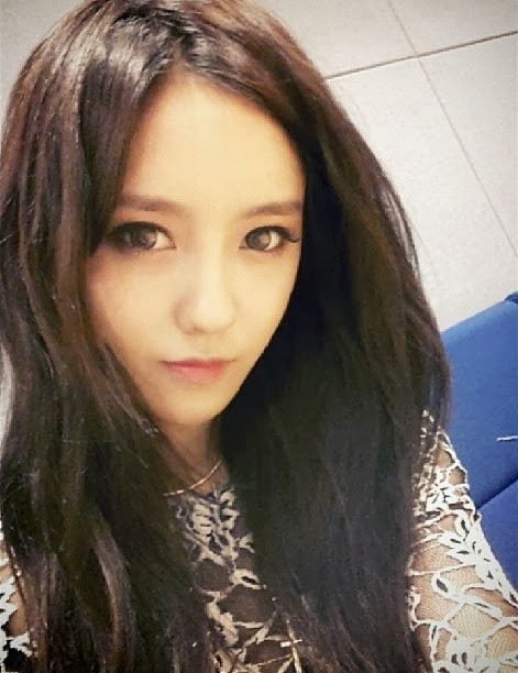 showing thei...T Ara Number 9 Jiyeon