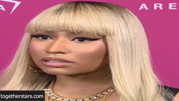 جميع حسابات نيكي ميناج Nicki Minaj الشخصية على مواقع التواصل الاجتماعي