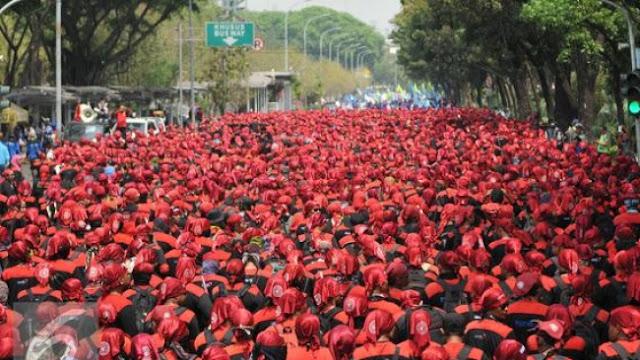 Massa Buruh Alihkan Demo Omnibus Law ke Istana 8 Oktober