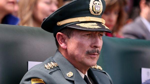 Promueven ascenso de cuestionado jefe del Ejército de Colombia