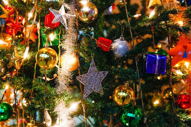 Original phrases to congratulate Christmas