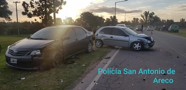 Graban Vídeo clip, menor escapa en vehículo y chocha choca otros 2