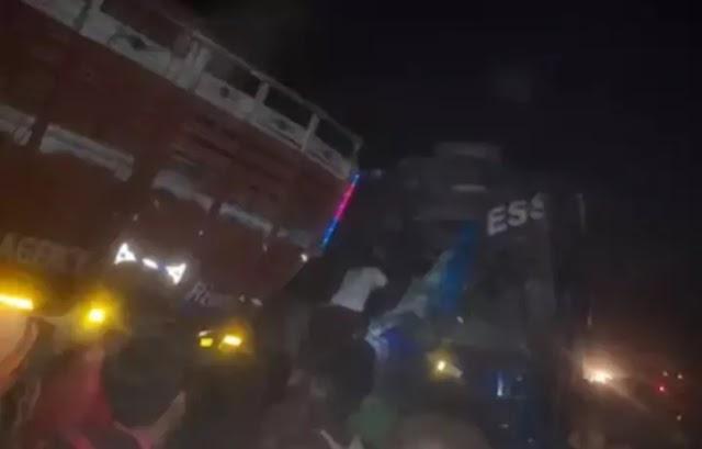 Road Accident: मजदूरों को लेकर नोएडा से बिहार के भागलपुर जा रही बस और ट्रक की टक्कर, 12 घायल, 7 की हालत नाजुक