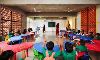 مقابلات عمل تدريس بالامارات