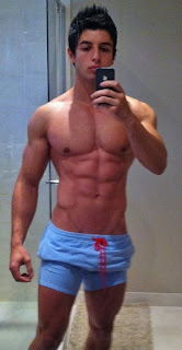 Naso aesthetic spartan bodybuilder