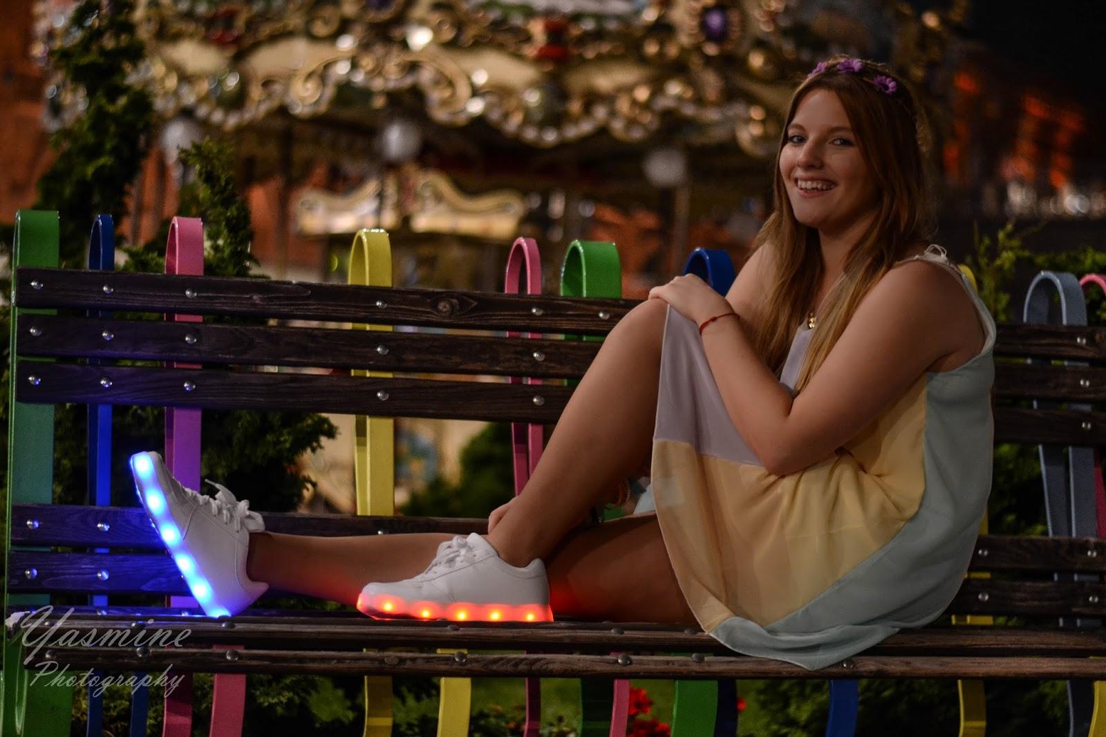 stylizacje festiwalowe ze smeakersami sneakersy disco light renee recenzja melodylaniella lookbook fashion girl