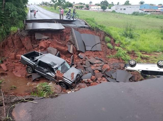 Asfalto se rompe na GO-206 em Itarumã