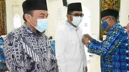 penghargaan dari BKMT Kota Padang