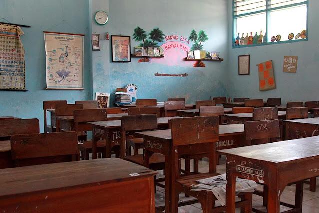 Dunia Pendidikan Kena Prank DPR Lewat UU Cipta Kerja