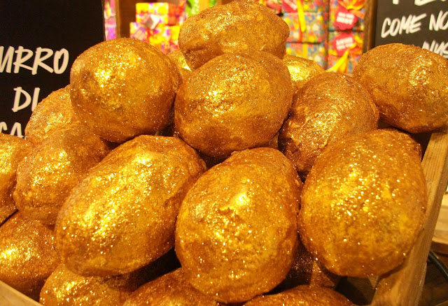 Golden Idea, Lush Cosmetics Easter bath bomb melt with fair-trade cocoa butter