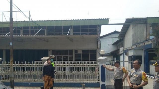 Pendemo Dicegat Polisi, Pelajar Dikejar, Dipiting hingga Ngumpet ke Truk