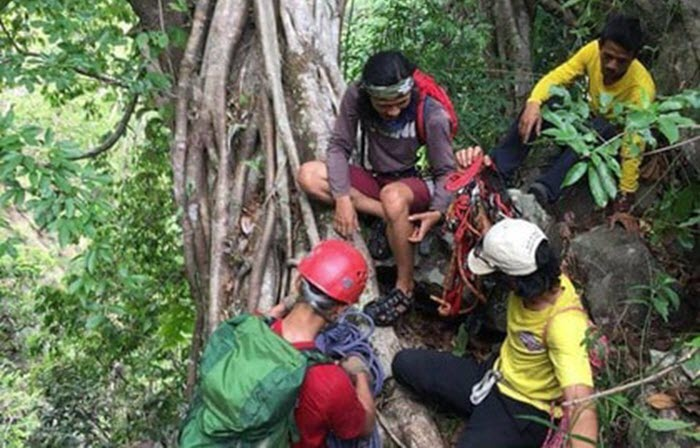 72 giờ nỗ lực đưa thi thể phượt thủ tử vong ở Phan Dũng ra khỏi rừng