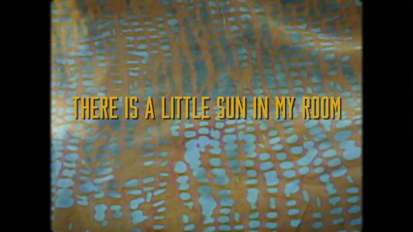 "CIRCUS CARAVAN: Δείτε το νέο τους video για το κομμάτι ""There is a Little Sun in My Room"""