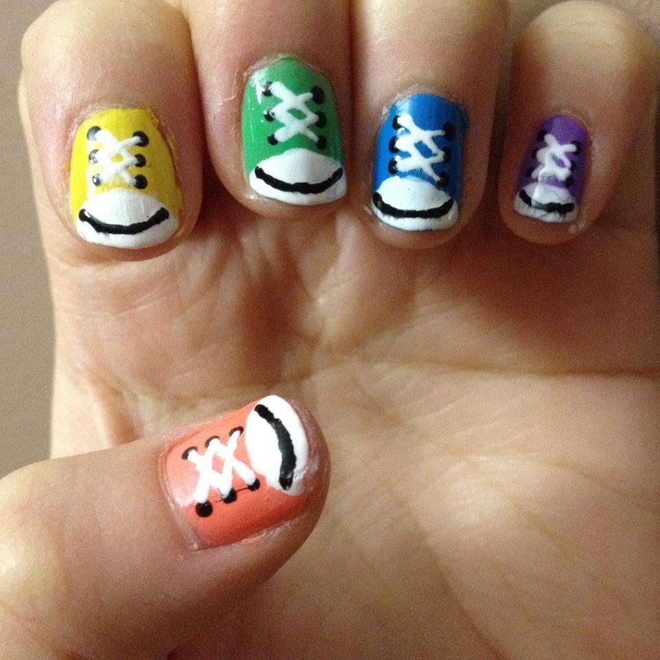 Cool Nail Art: Nail Art Couture★ !: Converse Nail Art