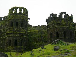 Raygad fort information in marathi