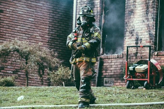 Felfüggesztettek állásából egy tűzoltót, amiért kórházba vitt egy égési sérült kislányt