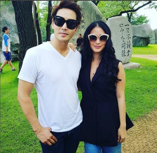 Korean artist dating