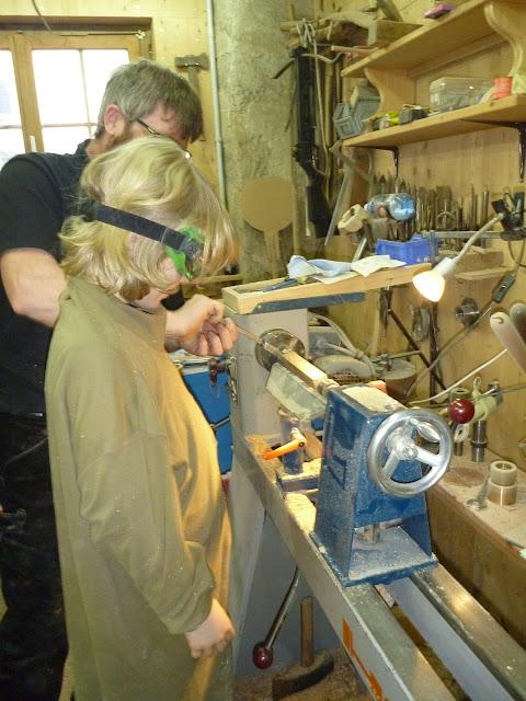 Kurse Drechseln Holzbearbeitung Ferienkurse Geschenk für Kinder