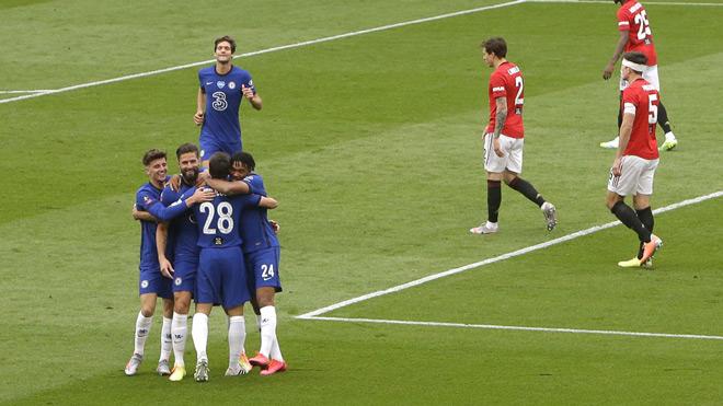 Video MU - Chelsea: Thảm họa phòng ngự trao vé chung kết