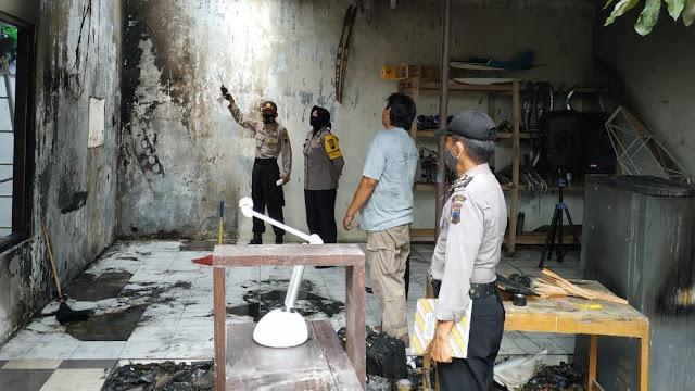 Polisi Cek Kebakaran Rumah di Perumahan Roudoh Regency
