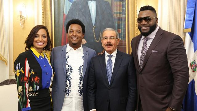 Danilo Medina juramenta a David Ortiz como embajador Buena Voluntad
