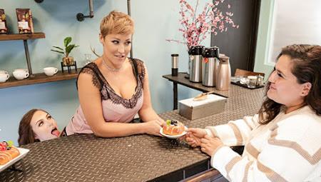 [MommysGirl] Ryan Keely, Freya Parker (Servicing Mom In Public / 01.30.2021)