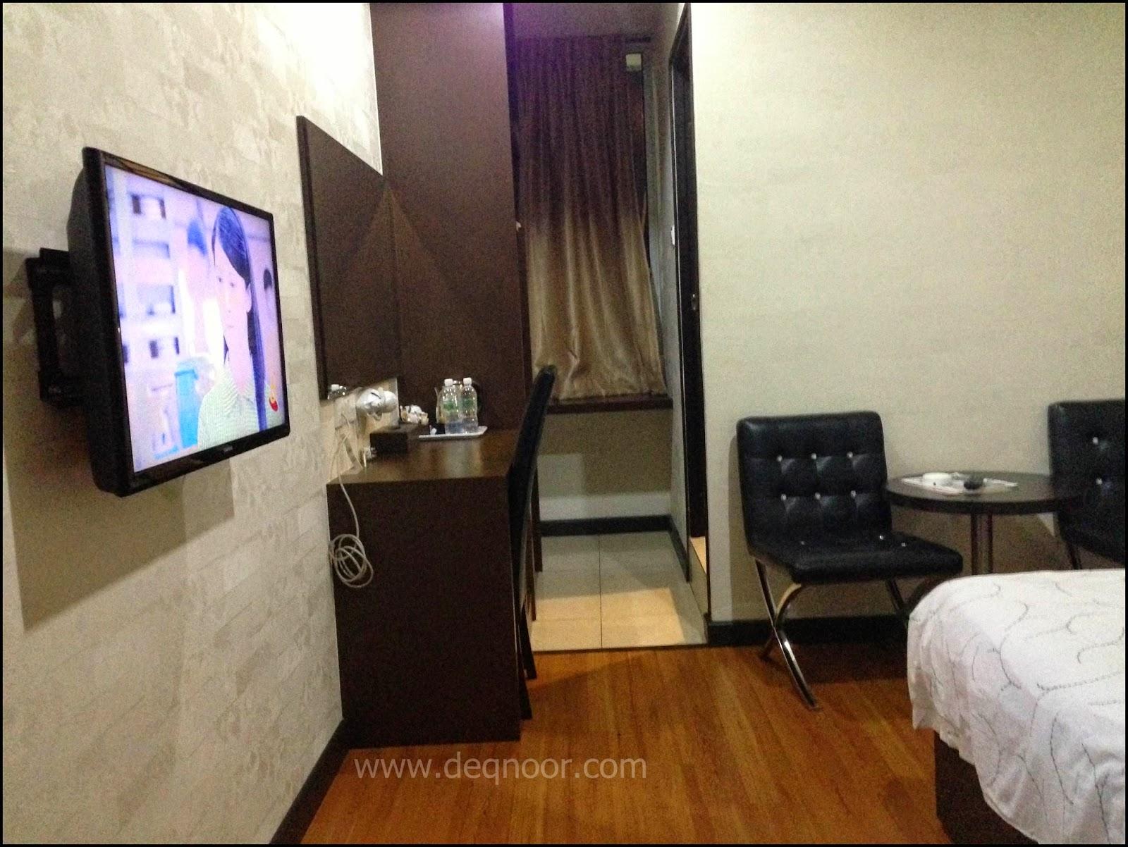 Inilah Kemudahan Lain Yang Ada Di Dalam Bilik Superior King Tv Dengan Pelbagai Channel Astro Serta Singapore Tray Dijadikan Sebagai Ruang Pantry