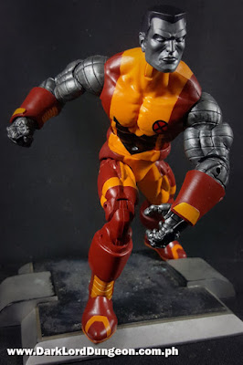 Marvel Legends Colossus - shaved - posturing