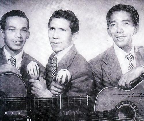 Lyrics de Trio La Rosa