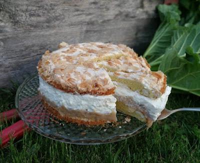 Hannchen-Jensen-Torte mit Rhabarber