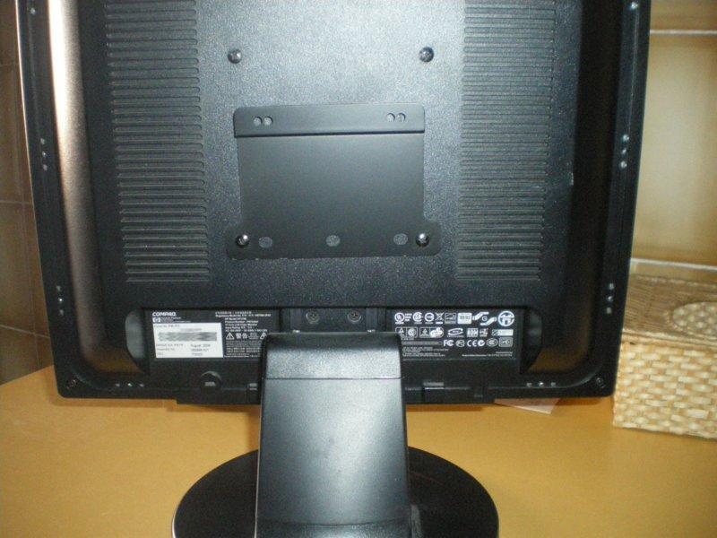 Instalando un mini pc detr s del monitor andromeda - Medidas de monitores para pc ...