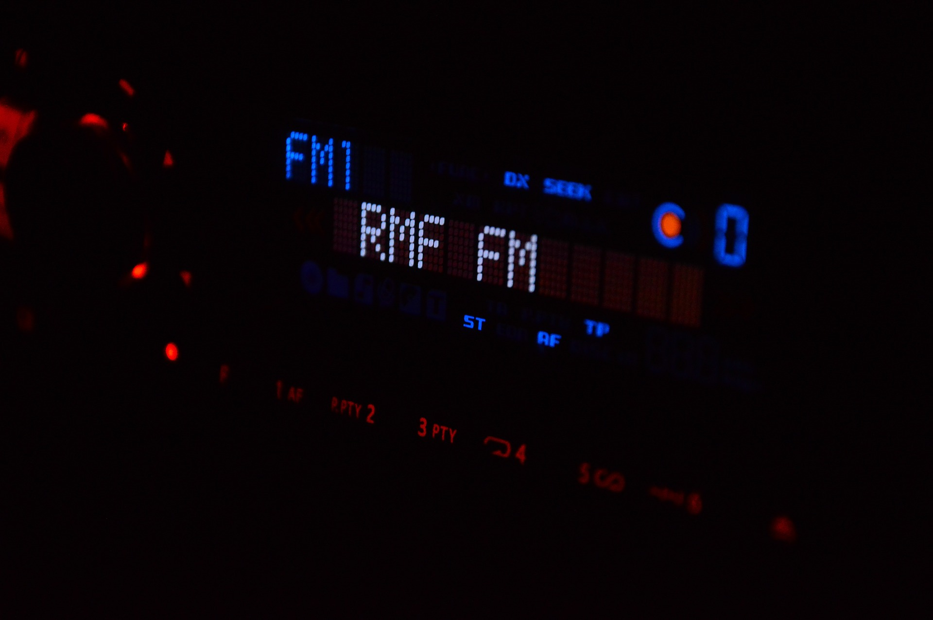radio applications without internet