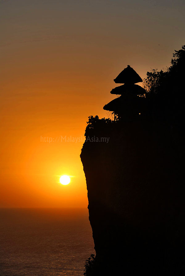Uluwatu Sunset Photo