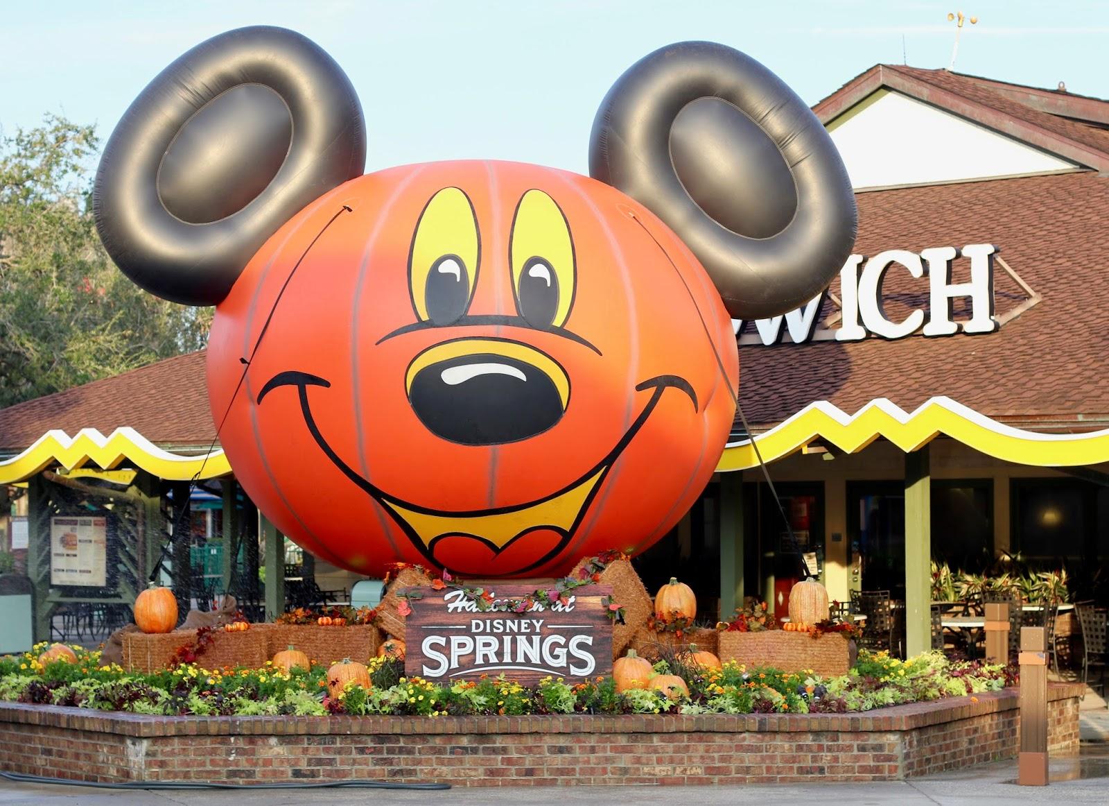 Disney-Springs-Halloween-Pumpkin-decor-Orlando-Florida