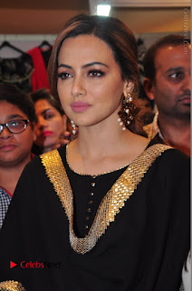 Bollywood Actress Sana Khan Launches Aakrithi Exibition  0088.JPG