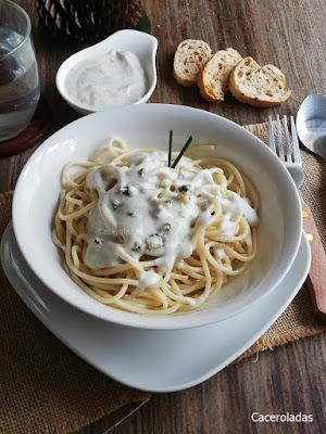 pasta con salsa de queso azul