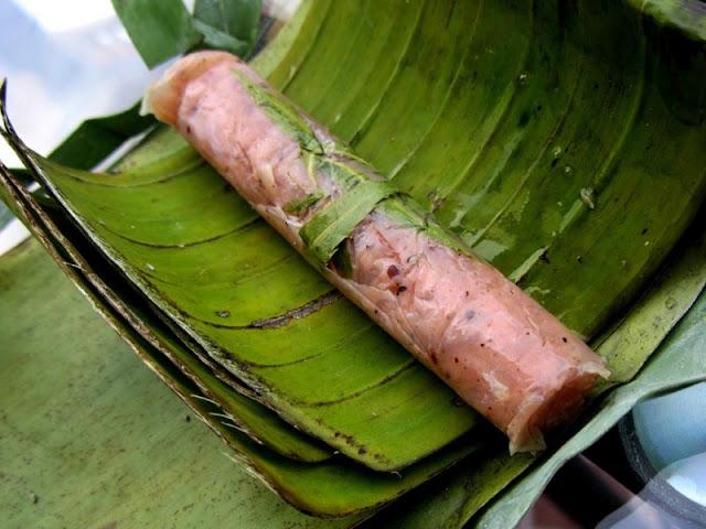Nem chua - Vietnamese fermented pork roll 2
